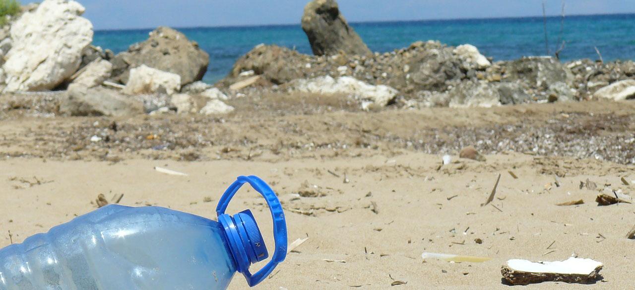 plastics-al-mar